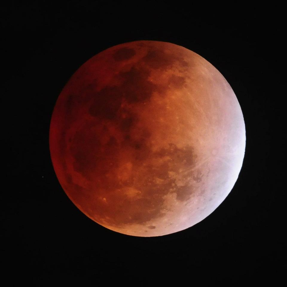 Gambar  Bulan Menjadi Merah  Cerapan Gerhana Bulan 10