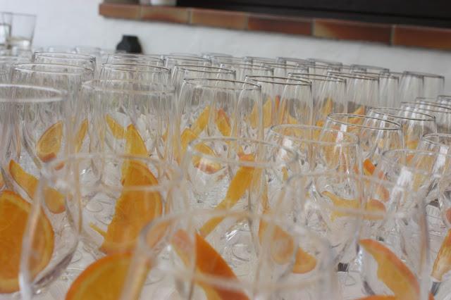 Hochzeitsempfang - Internationale Hochzeit mit Gleitschirmflug des Bräutigams, Riessersee Hotel Garmisch-Partenkirchen, besondere Trauungen, Hochzeit in Bayern, #Riessersee #Garmisch #Gleitschirm #Hochzeit #Tandemflug #heirateninbayern