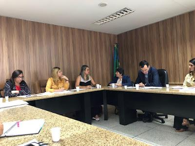 Frente Parlamentar em Defesa das Mulheres traça ações de trabalho