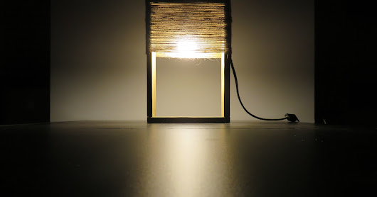 Wooden table lamp made with a pallet/ drewniana lampa z palety