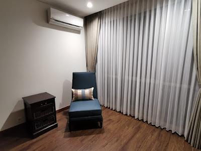 Ruang tamu apartemen branz simatupang