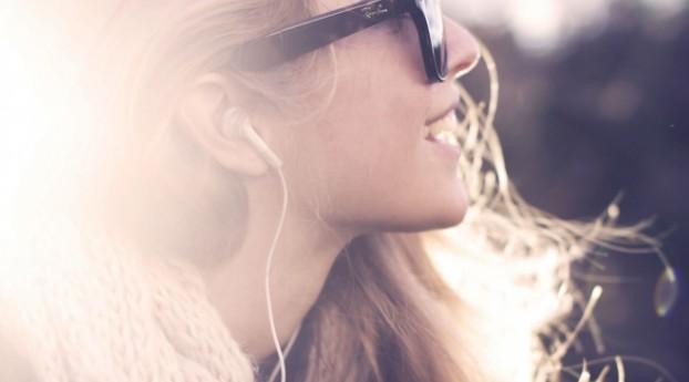 Οι 5 συνήθειες που σαμποτάρουν την ευτυχία σου χωρίς να το καταλαβαίνεις
