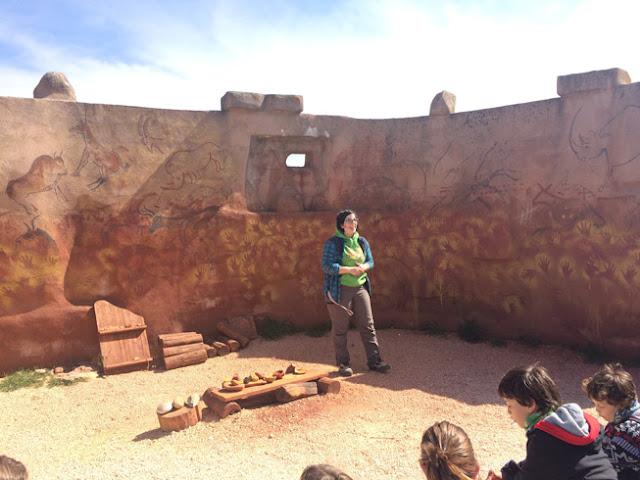 Visita al Centro de Arqueología EXperimental (CAREX) en Atapuerca