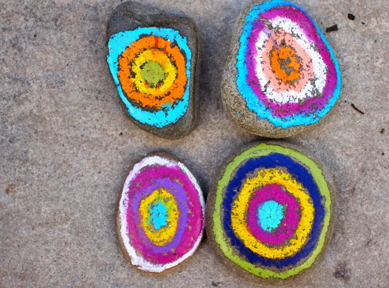 Kadinsky inspired rock art - easy kids craft