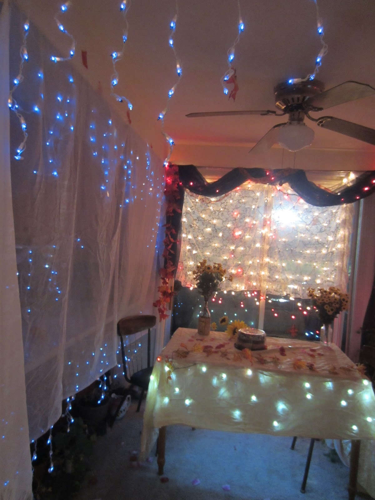 Romantic Decorations For Bedroom Budget: Violet's Silver Lining: Romantic Anniversary Ideas