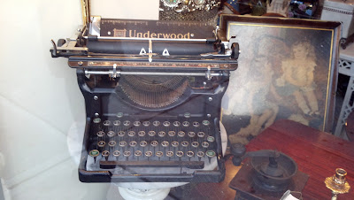 Underwood Typewriter II 1930s Restored 2012 Behind Glass