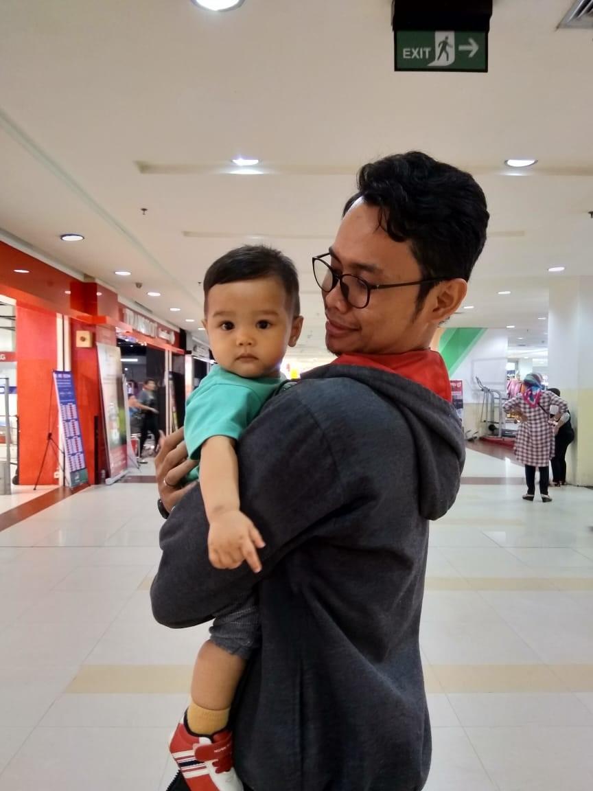 cara menggendong bayi yang nyaman