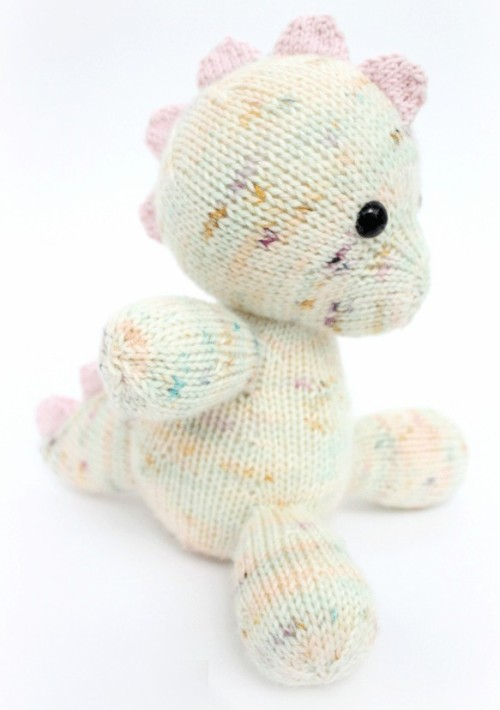 Daisy The Baby Dino - Free Pattern
