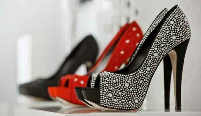 Bahaya Menggunakan Sepatu Hak Tinggi