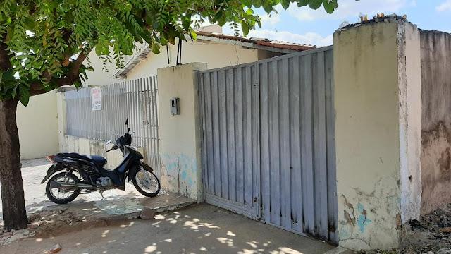 Bicicleta é furtada em residência  na rua Cônego Cardoso em Oeiras.