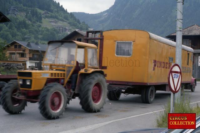 convois tracteur et roulotte