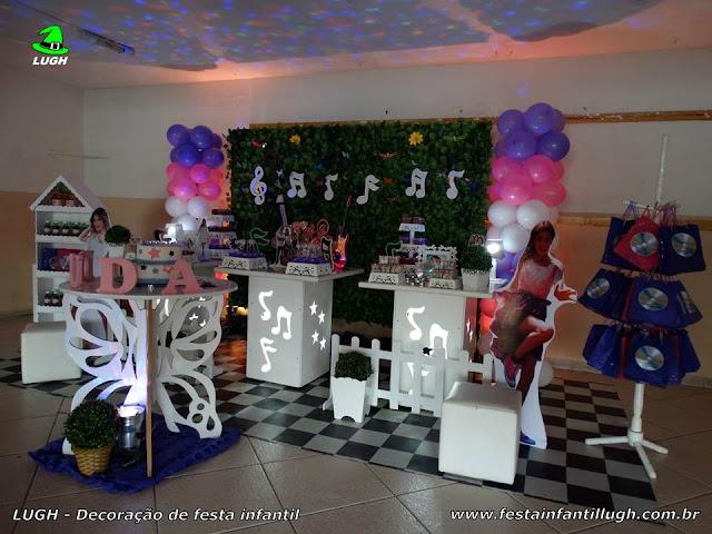 Festa tema infantil Violetta - Decoração aniversário - Provençal simples com muro inglês