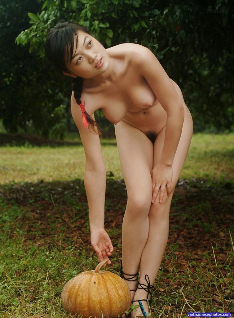 saigon girls nude picture