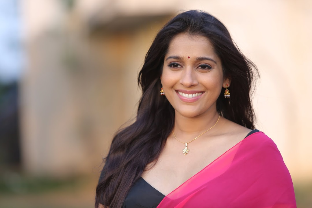 Rashmi Goutham Latest Photoshoot In Pink half Saree