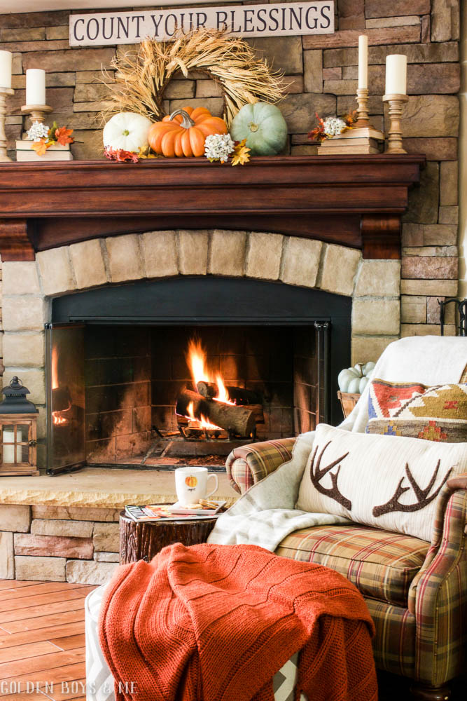 Fall fireplace mantel idea - www.goldenboysandme.com