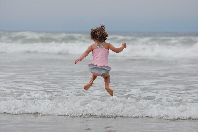 dlaczego dziecko zachowuje się najgorzej przy matce, wsparcie, emocje, huragan, kumulacja, bezpieczna przystań, bezwarunkowa miłość
