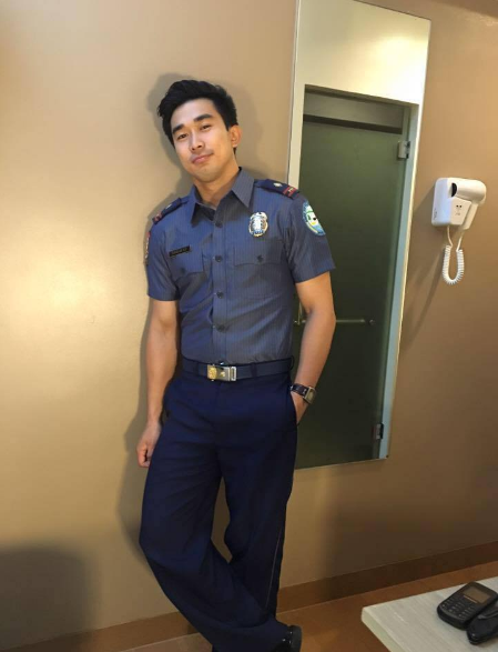 These are the 5 handsome policemen who you would want to spend your curfew time with! Must see!