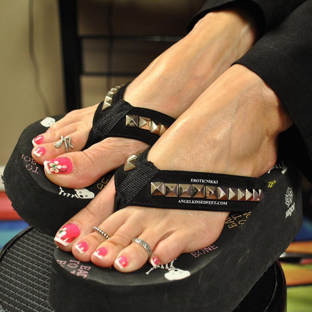 wu's feet links hall of fame: erotic nikki (c/o 2015)