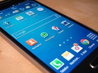 Trik membaca pesan WhatsApp tanpa centang biru