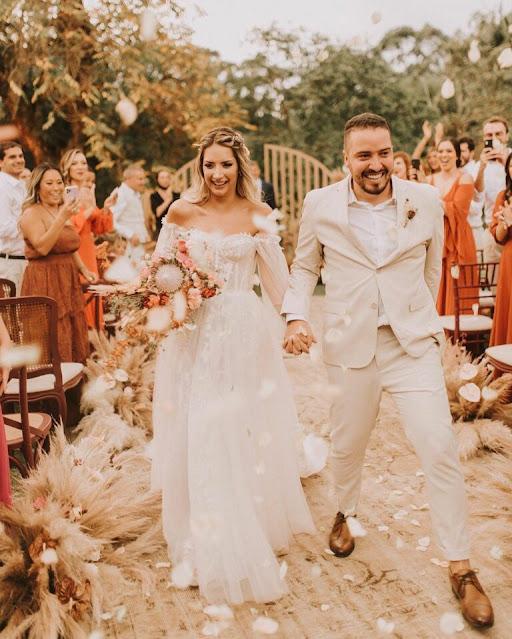 Cantor Isaías Saad se casa com Vitória Eisfeld em São Paulo