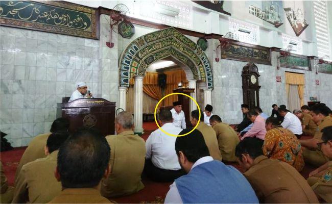 Gubernur SUMUT ini Imbau ASN Tinggalkan Pekerjaan 5 Menit sebelum Adzan dan Salat Jamaah di Masjid Agung