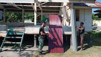 Karya Bhakti TNI, Koramil 04 Muara Batu Bersama Warga Rehap Balai Pengajian