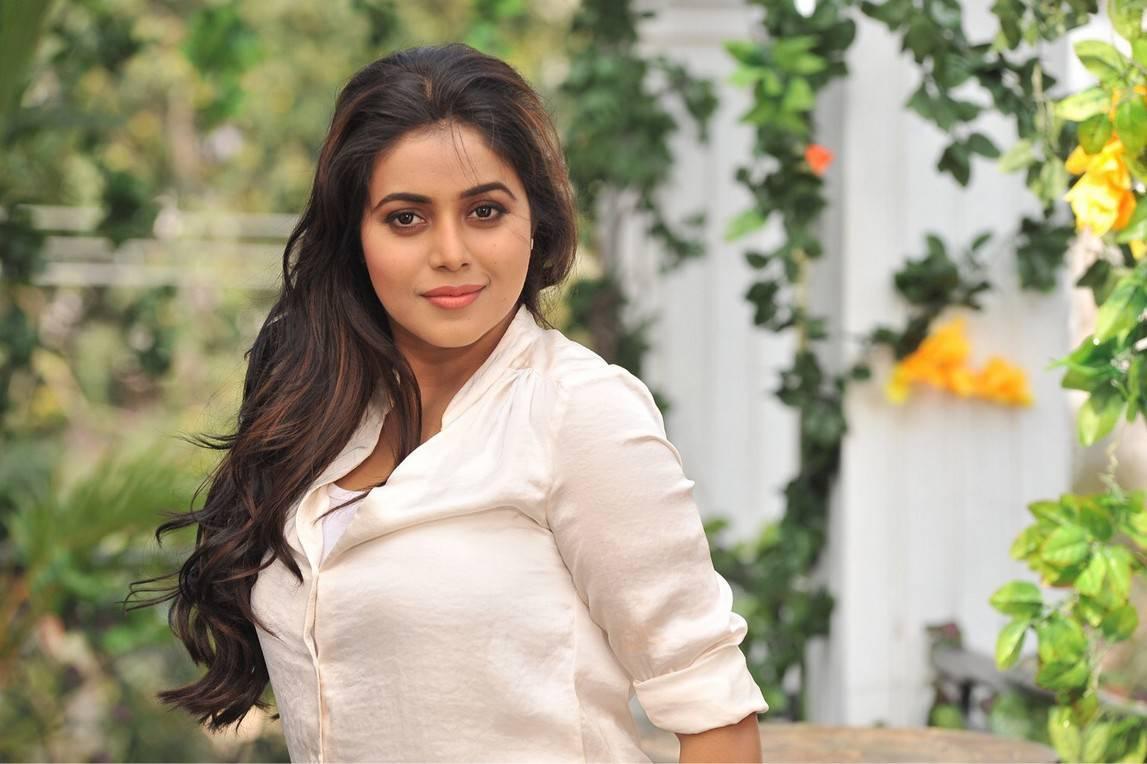 Actress Poorna Suvarna Sundari Movie Spicy Stills