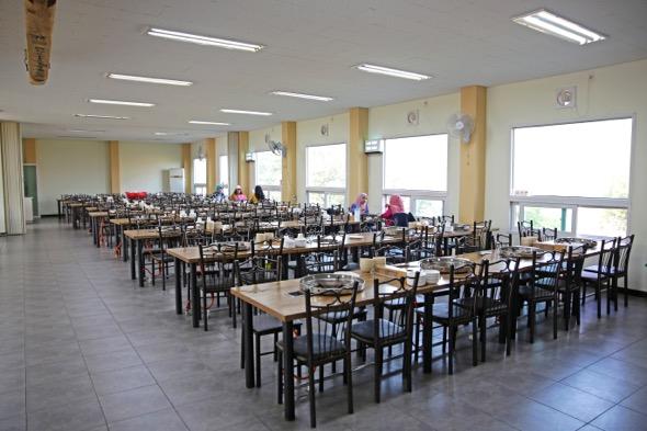 restaurant halal di nami island