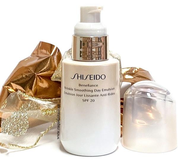 shiseido-benefiance-wrinkle-smoothing-day-emulsion-abierto