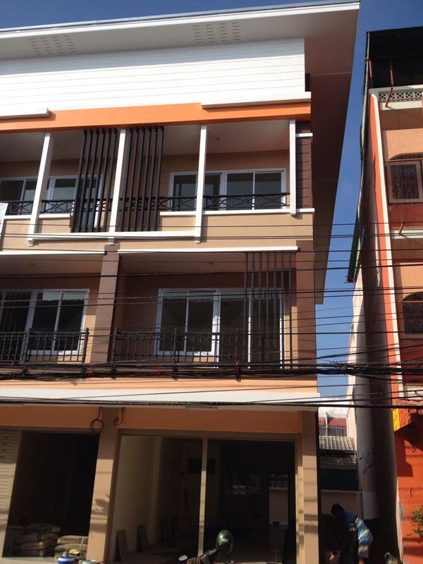 เจ้าของขายเอง อาคารพาณิชย์ ใหม่ 3 ชั้น อยู่ใจกลางจังหวัดตาก กลางเมือง บนถนนตากสินในย่านธุรกิจใกล้ตลาดสด