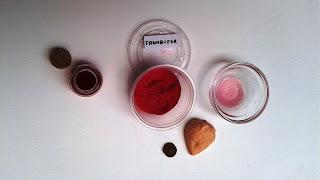Jabón-natural-con-colorante-polvo-de-frambuesa-Chaladura-de-jabones