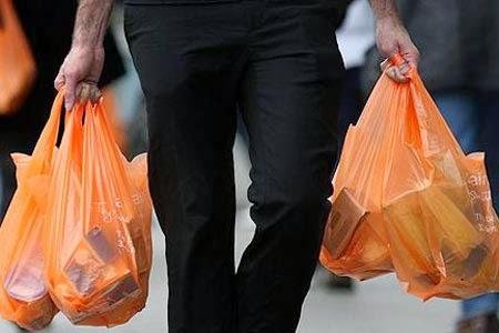 Selain Tak Ramah Lingkungan, Ini Bahaya Pakai Kantong Kresek Untuk Wadah Makanan
