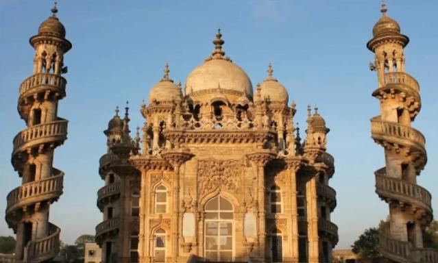 मोहब्बत मकबरा - (Mahabbat Makbara)