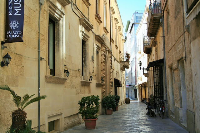 via antica, piante, centro storico