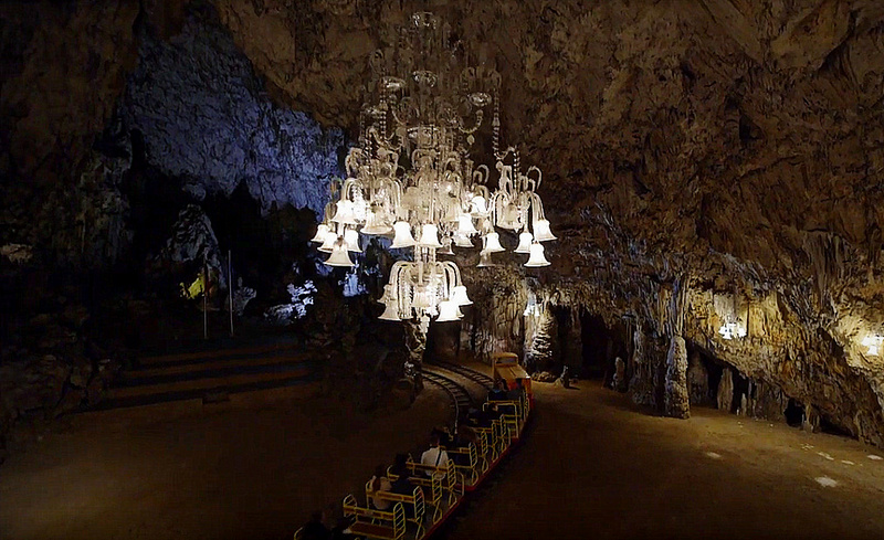 postojna, postojna jaskinia, brylant stalagtylt, brylantpostojna, kalwaria postojna, slowenia, slowenia co warto zobaczyc, postojna zwiedzanie, postojna relacja, postojna reportaz, zycie od kuchni,