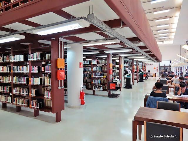 Vista do interior da Biblioteca Mario de Andrade - República - São Paulo