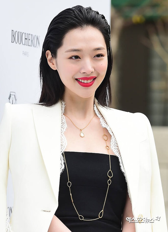 MBC reportedly will make a documentary about The Late Sulli, the exact timing of the broadcast is still not confirm.