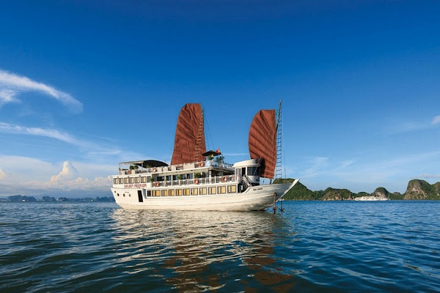 3 helpful tips for you when traveling to Ha Long Bay 2