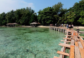 http://www.teluklove.com/2017/04/destinasti-objek-wisata-pulau-kotok-di.html