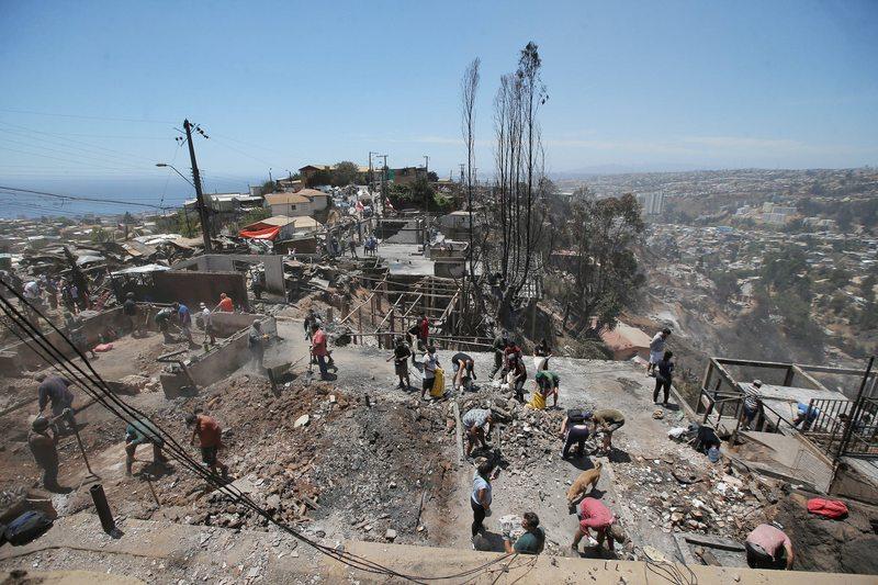 El plan para reconstruir los cerros Rocuant y San Roque