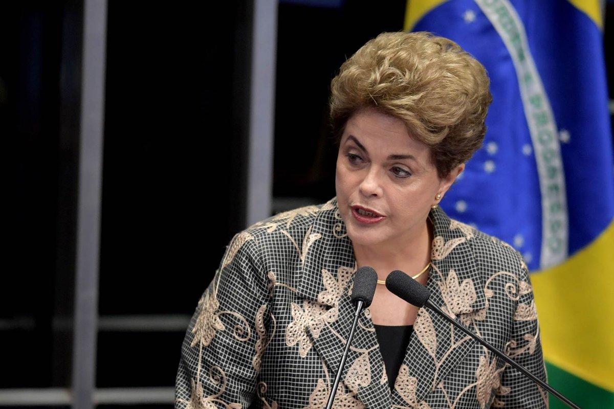 No Senado, Dilma lembra que direitos LGBT sofrem ameaças com impeachment