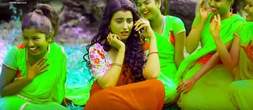 Dubai Chal Gayila Raja Lyrics in Hindi
