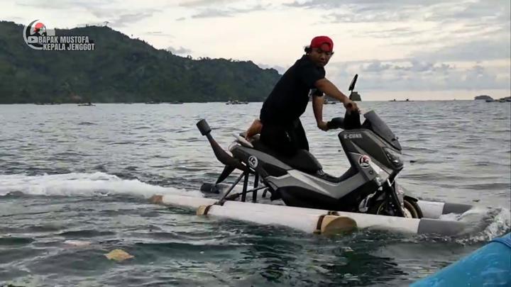 Sửng sốt với Yamaha NMax được độ thành mô tô nước cực kỳ công phu