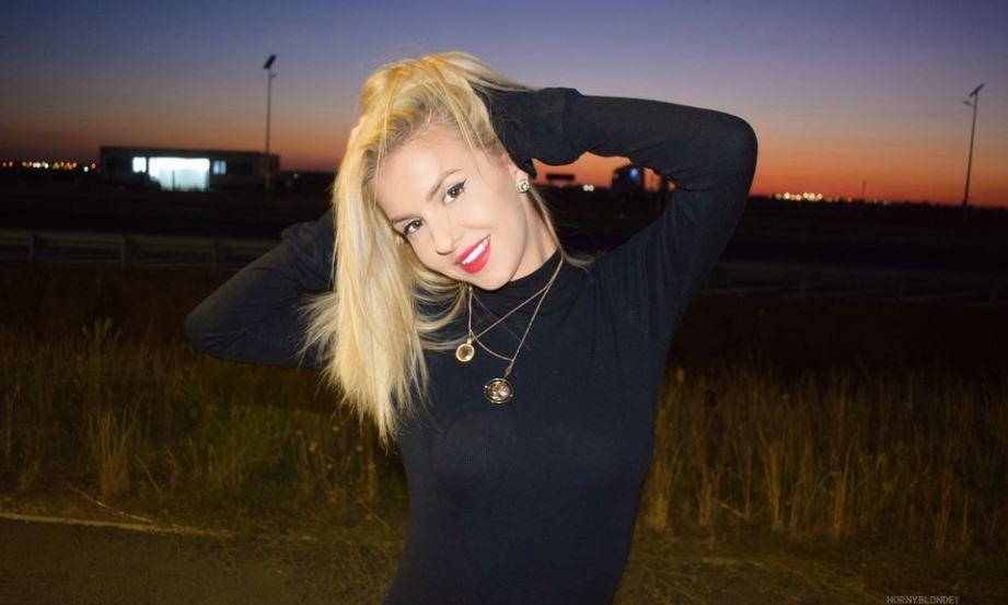 HornyBlonde1 Model GlamourCams