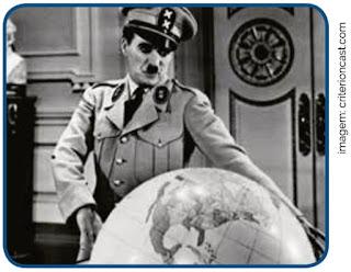 (Albert Einstein 2017) No filme O Grande Ditador, produção norteamericana de 1940, Charlie Chaplin compõe um retrato irônico do nazi-fascismo europeu em duas de suas principais figuras: Hitler e Mussolini.