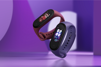 Xiaomi Mi offers Smart Band 4 and other smart home products.