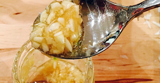 Mix Garlic, Apple Cider Vinegar And Honey