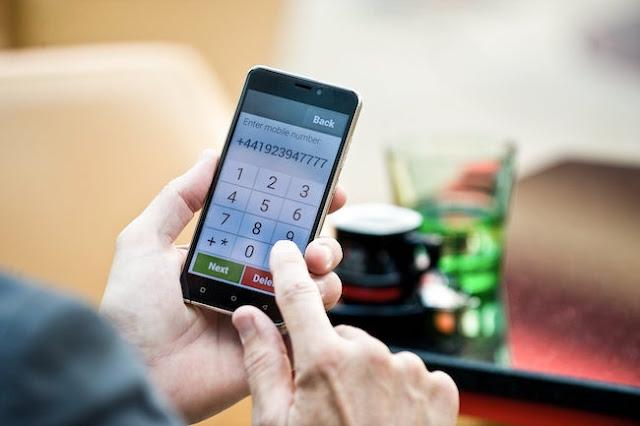smartphone senior