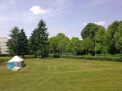 Janela de Beaulieu, Rennes, França - Junho - Fim da Primavera / Início do Verão
