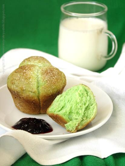 zielone brioszki pandanowe z kokosem
